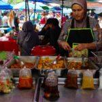 I mercati Thailandesi: Phuket cosa vedere: 5 esperienze da non farsi scappare
