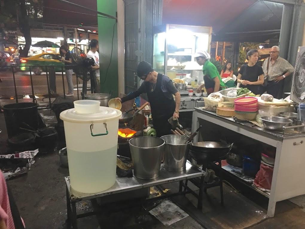Quartiere Maha Nakhon.A cena nella bettola più famosa e costosa di Bangkok