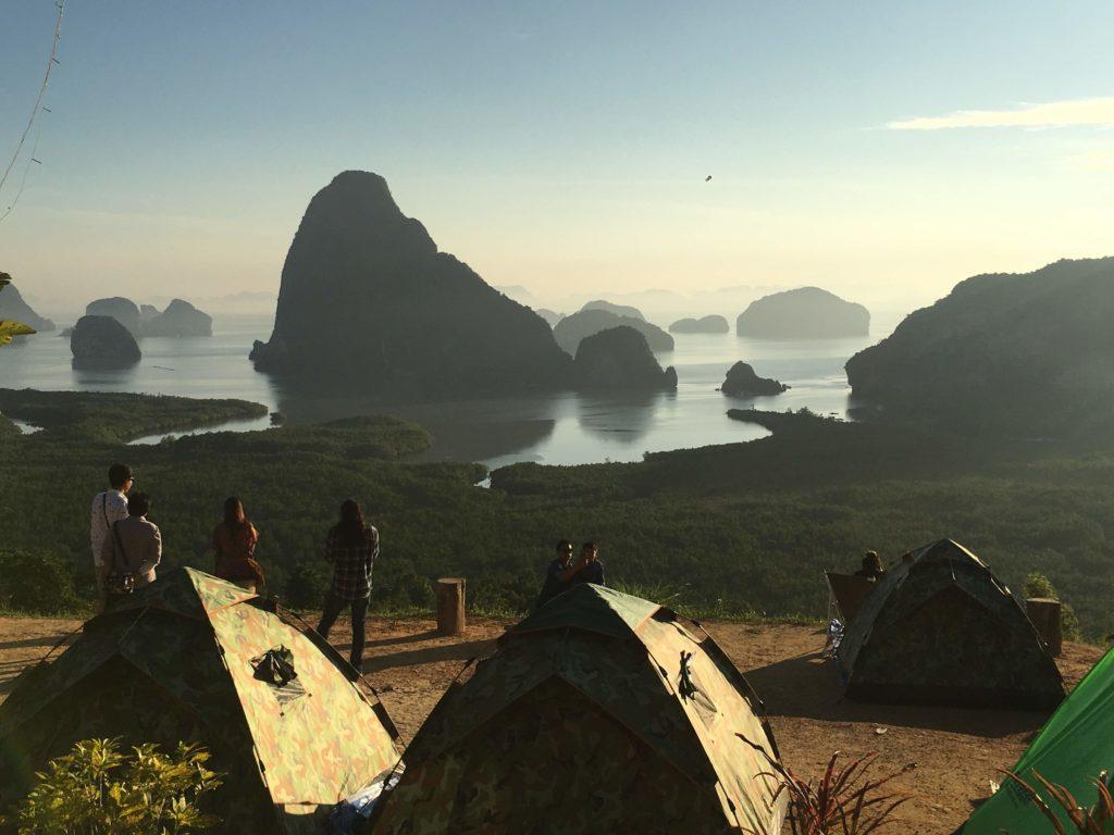 La Baia vista dalle tende: Thailandia del sud
