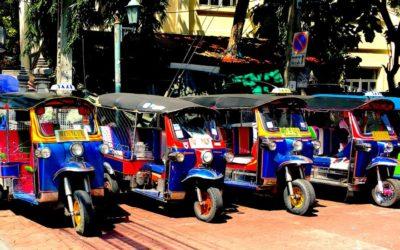 Bangkok by night in Tuc Tuc: Tra street food e mercati notturni