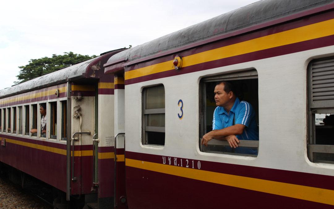 Come muoversi in Thailandia: Bus, Treni e come prenotarli