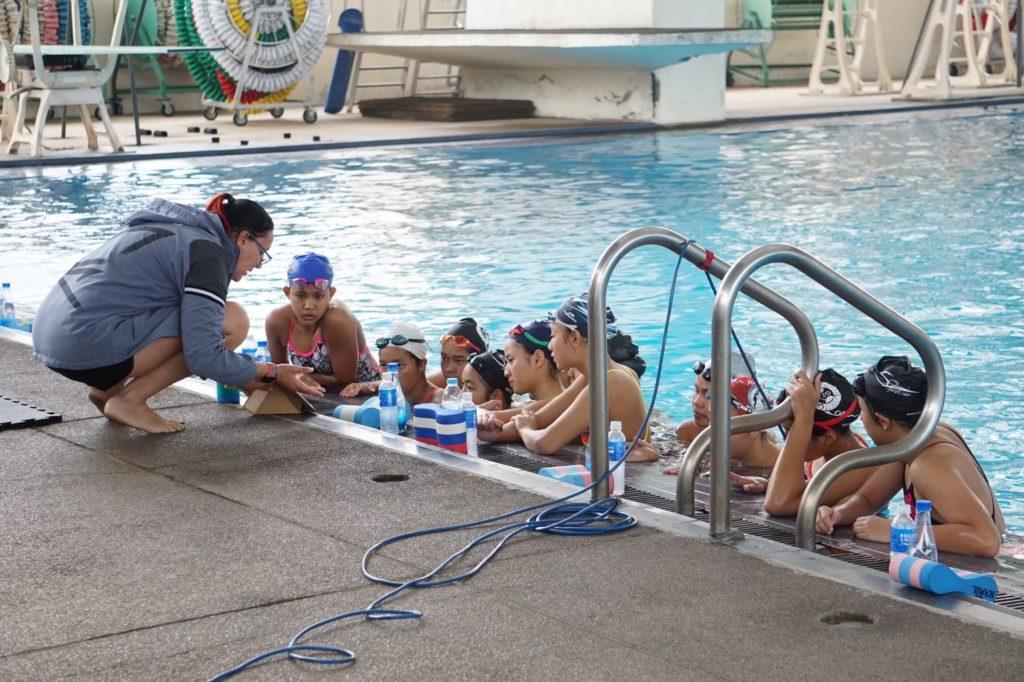 Lavorare in Thailandia squadra di nuoto artistico