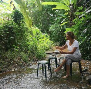 The river Cafe: caffe con I piedi a mollo